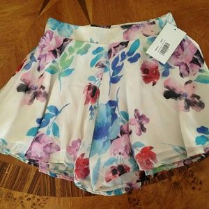 """Adrienne """" Garden gathering shorts"""""""